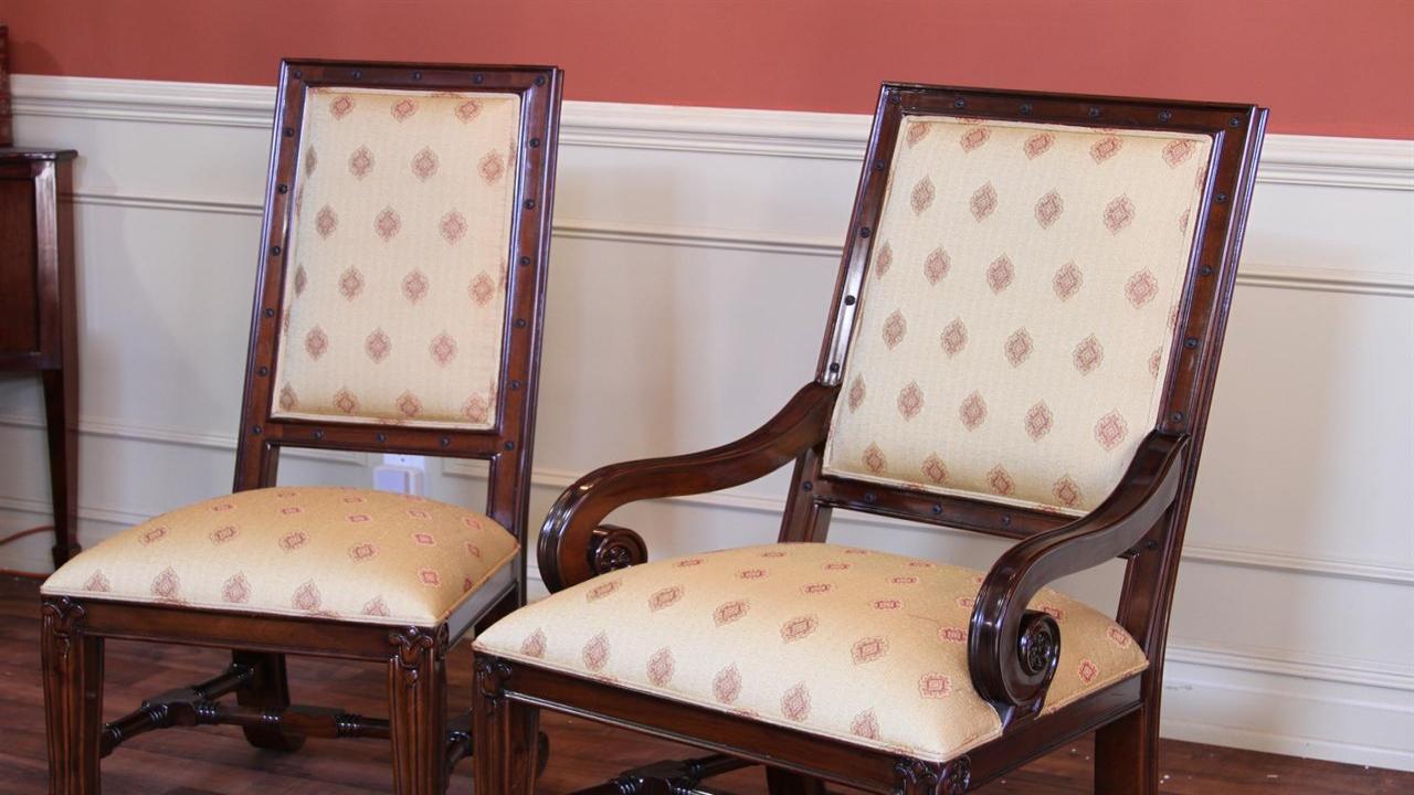 Перетяжка спинки стульев